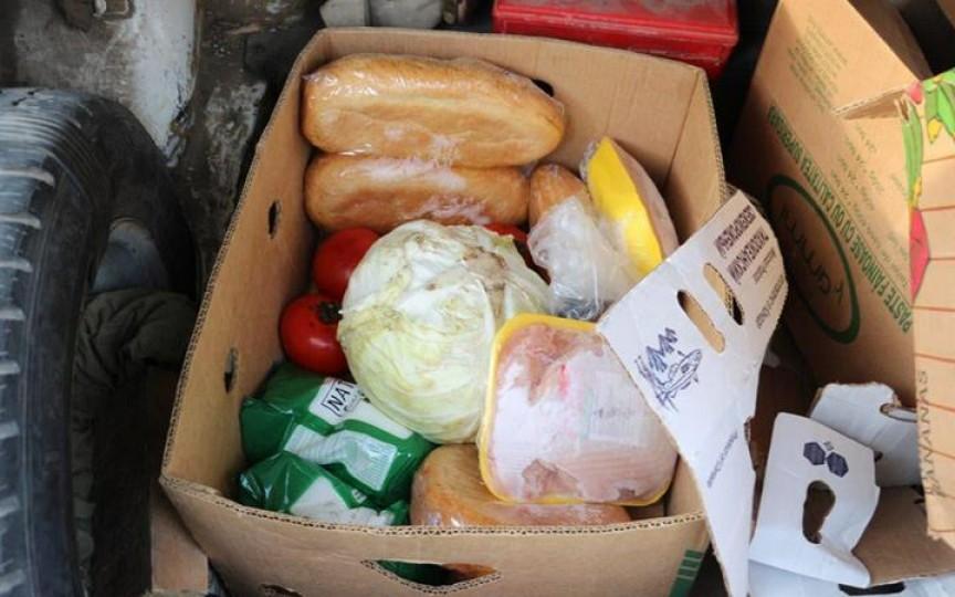 Două femei au fost prinse de polițiști furând produse alimentare de la grădinița la care lucrează