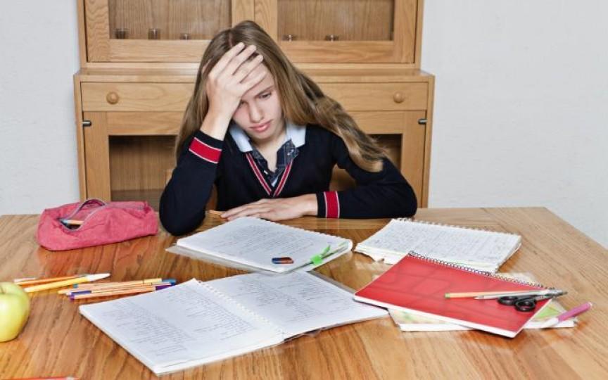 Opinia unui tată: Sentimentele copilului, nu notele de la școală, ar trebui să fie o prioritate