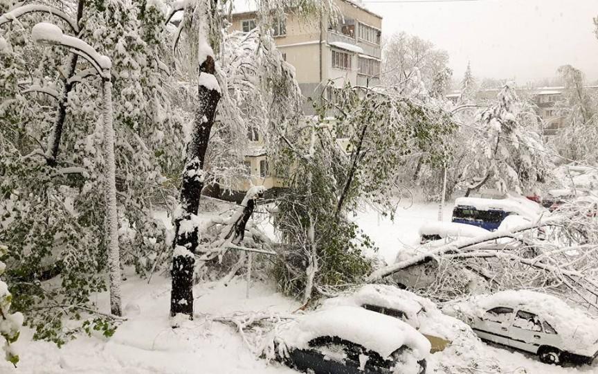 (Foto) Urgia în capitală continuă. Avem stare de urgență!