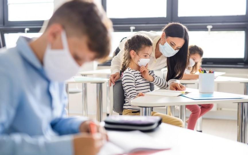 Medic toxicolog: Dezinfectantul poate să determine la copii o intoxicație alcoolică