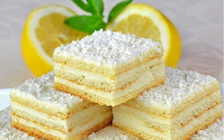 """De sărbători gătim tematic. Rețeta pentru prăjitura """"Alba ca Zăpada"""""""