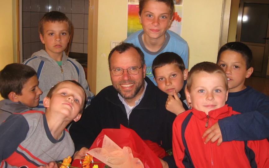 Tiziano Baracco, preotul de origine italiană care a învățat limba română în timp ce se juca cu copii