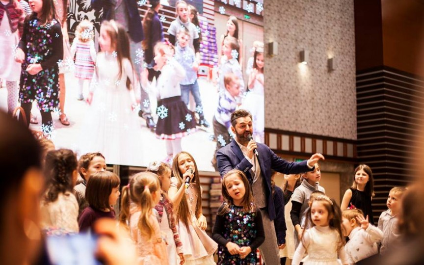Noi surprize pentru cei mici la Crăciunul Copiilor