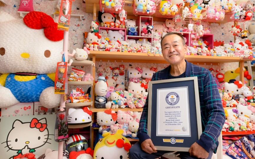 Cel mai mare colecționar de obiecte Hello Kitty este un pensionar