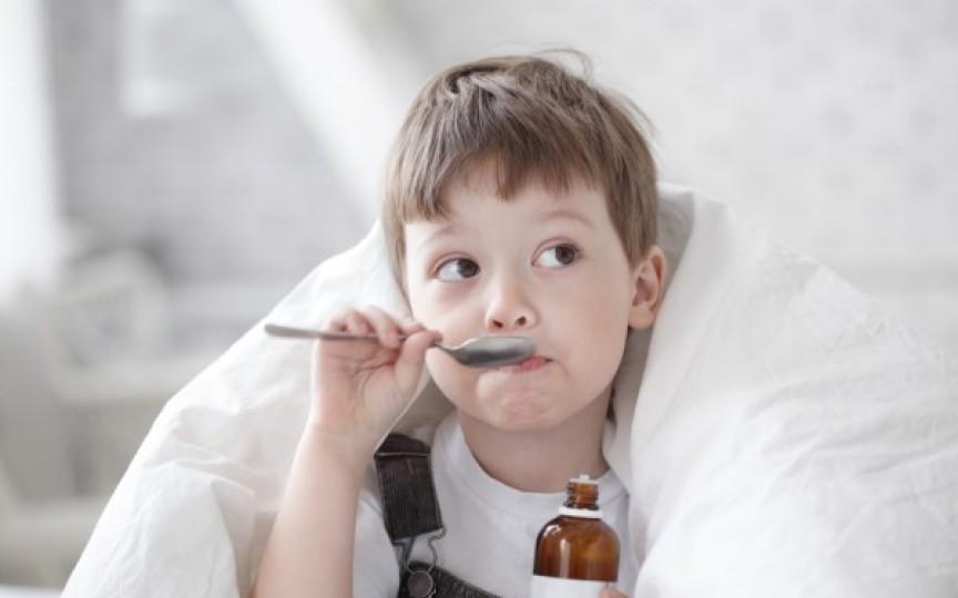 Medicamentele de răceală pot fi periculoase pentru copiii mai mici de doi ani