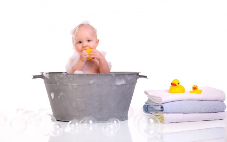 Baia bebelușului: cât de des se face