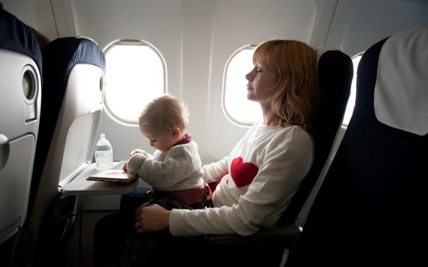 Călătoria în avion cu bebe