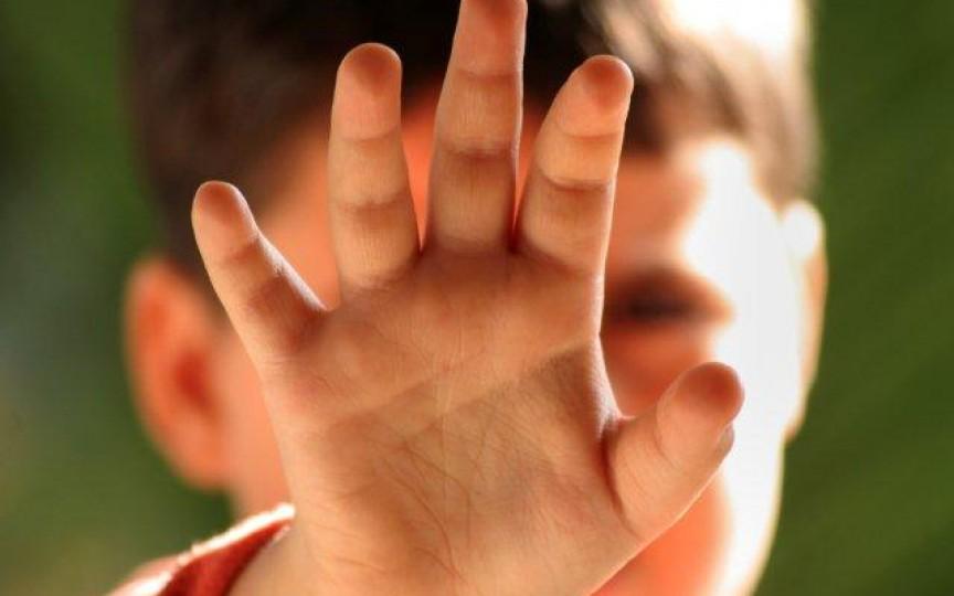 Mai mulți părinți din Grătiești susțin că la Grădinița nr. 1 o educatoare vine băută și agresează copiii