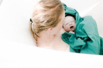 Cea mai neplăcută experiență la naștere. Dezvăluirile mămicilor