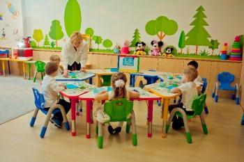 La Star Kids are loc completarea grupelor cu copii de vârsta 2 - 7 ani