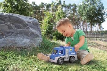 Un copil de 4 ani a chemat poliția sunând la numărul de urgență scris pe mașina lui de jucărie