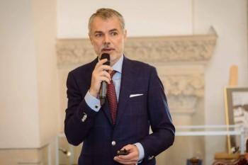 """Dr. Mihai Craiu, despre frica de febră la copii: """"85% dintre părinți le dau copiilor antitermice fără să fie nevoie"""""""