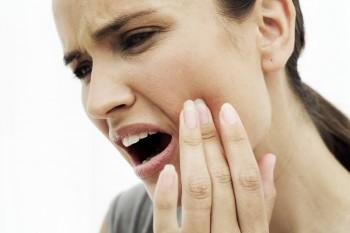 Ai dureri de dinți? Vezi cele mai bune remedii naturiste ce te pot ajuta!
