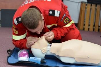 Medic specialist în medicina de urgență: 9 greșeli de prim ajutor care sunt doar mituri periculoase
