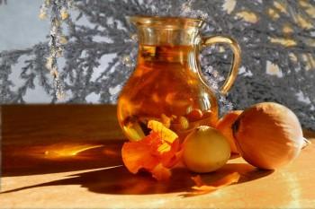 Ceaiul de ceapă, cel mai bun remediu ce te scapă de tuse şi de durerea în gât. Iată cum îl faci bun la gust!