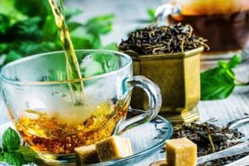 7 ceaiuri de ajutor în cazul digestiei îngreunate