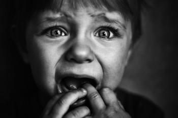 Spot social: Palma, țipetele, pedepsele - copilul le asociază cu frica. Le dorim copiilor noștri o viață plină de frică?!